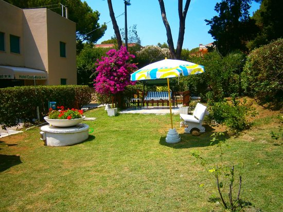 Costa Verde Hotel: Giardino