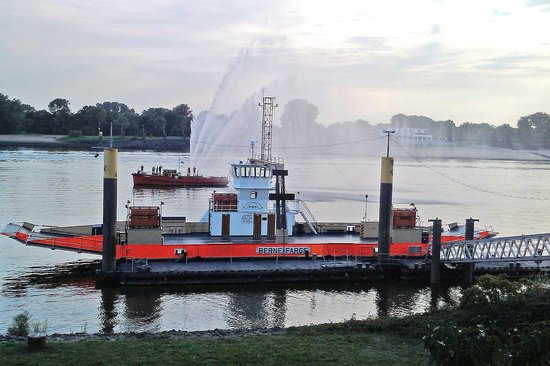 Faehrhaus Farge: Aussicht Weser
