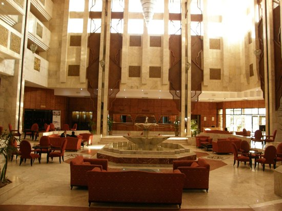 Orient Palace Hotel: Main hall