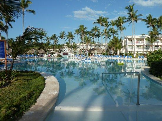 VIK Hotel Arena Blanca: pool in the morning
