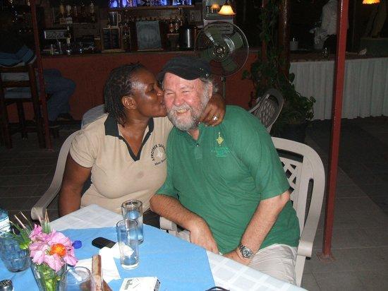 Sedia Riverside Hotel: Owners - Janet & Allan