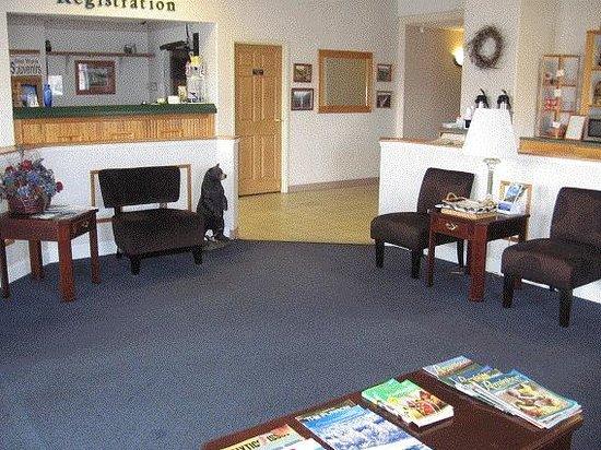 Dawson Inn: Lobby