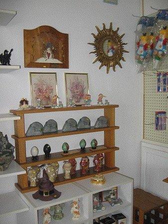 Dawson Inn : Gift Shop