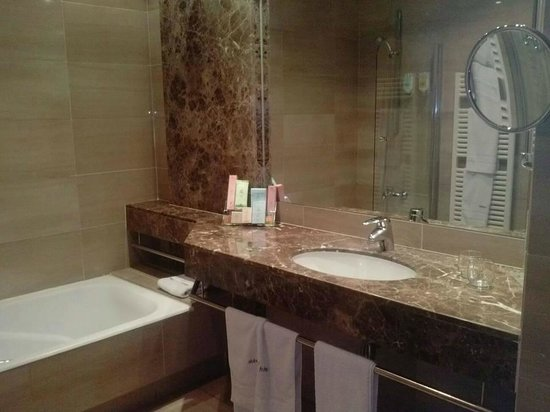 Abba Acteon Hotel : Baño