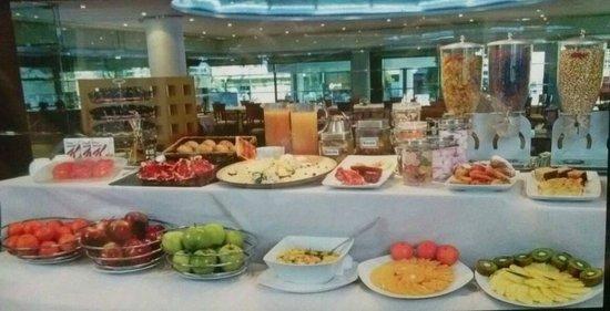 Abba Acteon Hotel: Buffet libre Desayuno