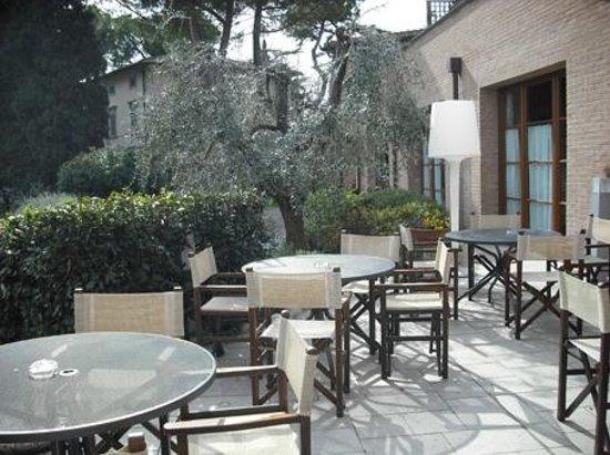Villasanpaolo : Il giardino esterno