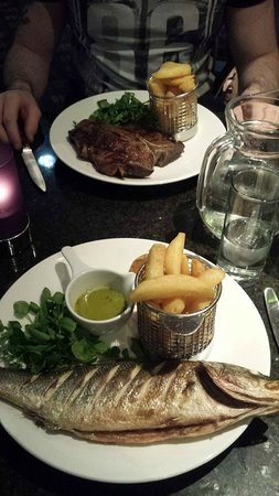 Crowne Plaza Hotel Birmingham NEC: 20oz steak and Seabass - Crowne Plaza Birmingham NEC