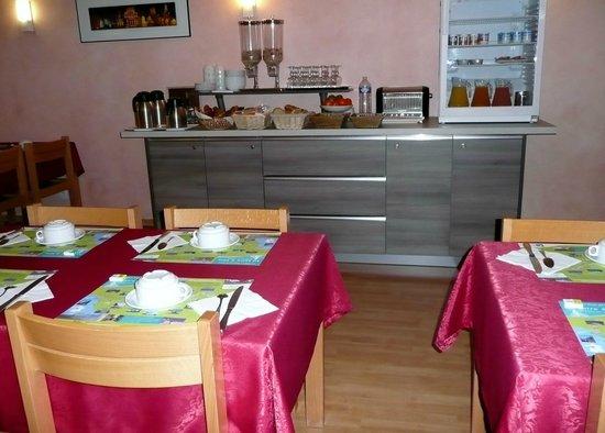 Hôtel Des Plantes: Salle de petits-déjeuners