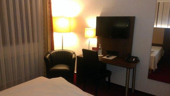 Lobinger Hotel Weisses Ross: ТВ