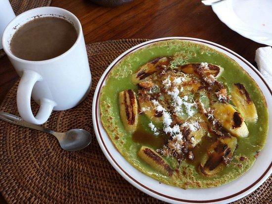 Sagitarius Inn: The banana pancake breakfast is the best!