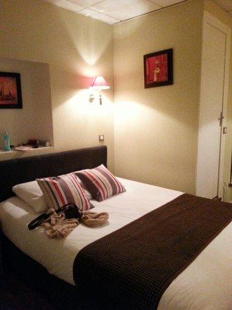 HOTEL DU DAUPHIN : chambre n○5