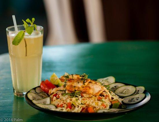 Delfin de la Luna : el arroz con pollo , rice with chicken , le fameux riz legumes au poulet :-)