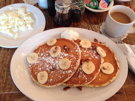 Doreen's Cup of Joe: Banana/Pecan pancakes...perfect!