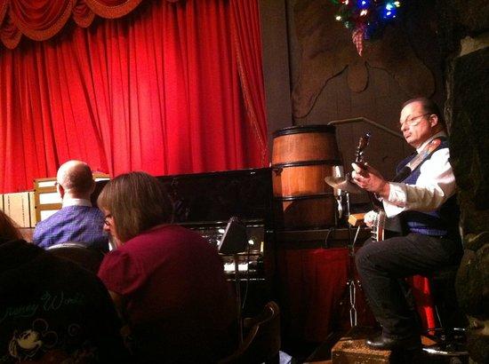 The Hoop-Dee-Doo Musical Revue: Let the Show Begin