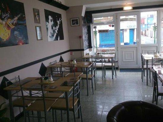 The Mercury: Dining room