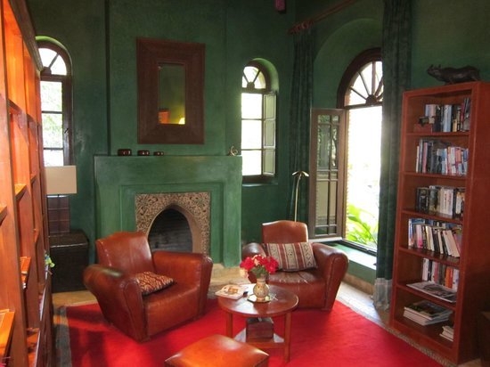 Dar Zemora: reading room
