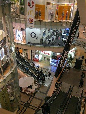 PALLADIUM Shopping Center Prague: Палладиум с высоты 4-го этажа
