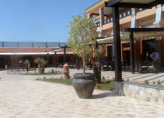 Aqua Fun Club: Main plaza