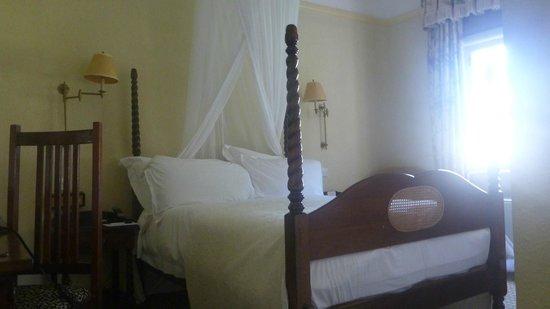 The Victoria Falls Hotel: particolare della camera