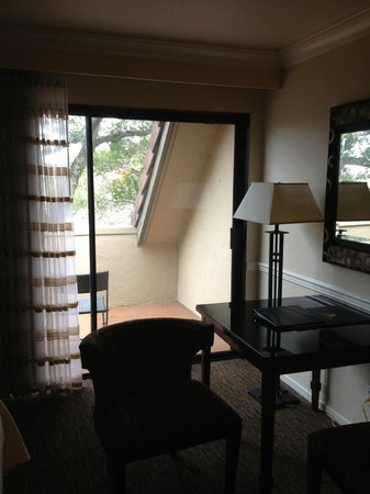Best Western Plus Novato Oaks Inn : part of a balcony from room