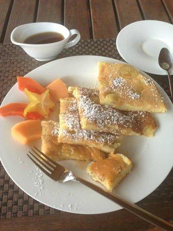 Vanilla Hills Lodge: Claudia's pancakes!