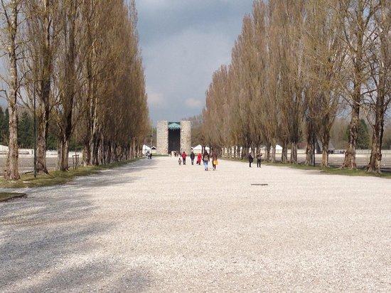 KZ-Gedenkstätte Dachau: Larry's Pictures