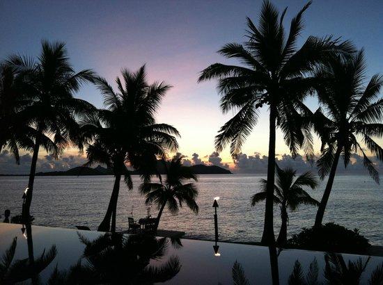 Tokoriki Island Resort: Glorious Sunset