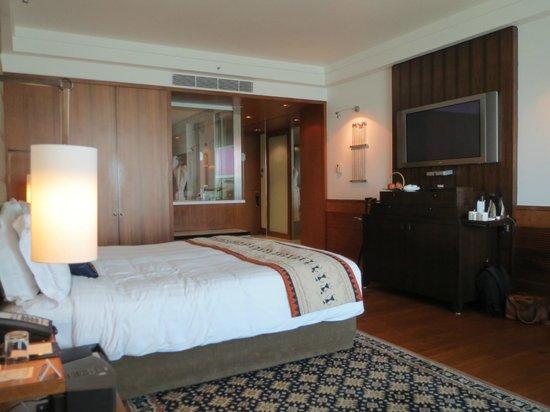 InterContinental Marine Drive: room