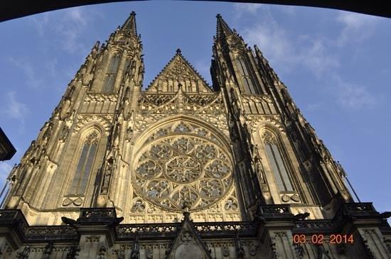 Veitsdom (Chram svatého Víta): descubriendo la fachada