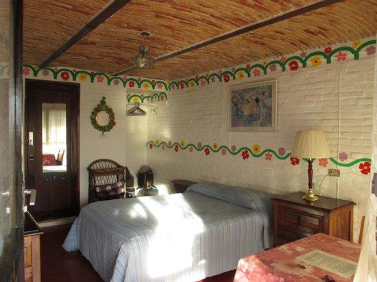 Los Cuatro Vientos Hotel : curved brick ceilings