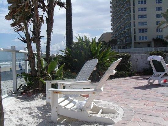 Days Inn Daytona Oceanfront : Pool Area