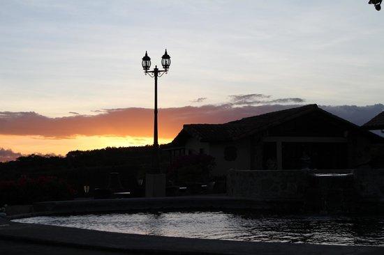 Hacienda Los Molinos Boutique Hotel: Sunset en El Risco