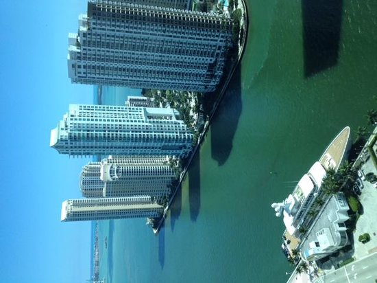 JW Marriott Marquis Miami : view of bay from 29th floor