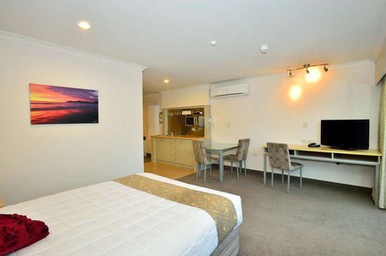 Senator Motor Inn: Living Areas to a high standard and spcacious