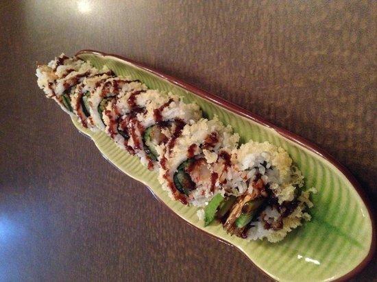 Salween Restaurant: Crunchy roll
