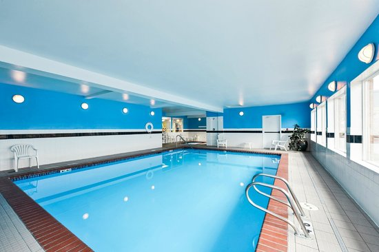 Comfort Inn and Suites Kent: Indoor Heated Pool