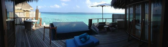Constance Halaveli: View out from water villa - simply amazing!