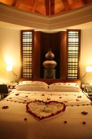 Constance Halaveli: beautiful decor organised for our honeymoon