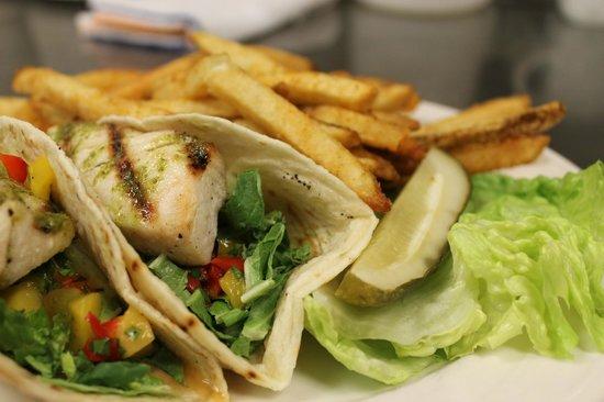 Lake Grill: Fish Tacos