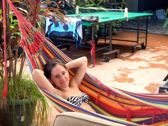 Hotel Villa Amarilla: Lounging in the provided hammock on the grounds