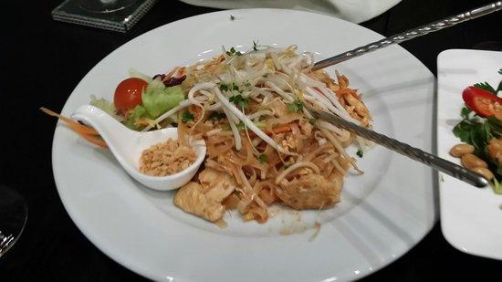 Sukhothai South Parade Leeds: Pad thai (no. 99 from the menu)