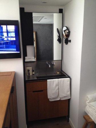 Residence G Hong Kong (by Hotel G): Bathroom sink