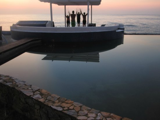 Lands End - Ocean Front Lodge: Yoga at sunset from the Infinity Pool