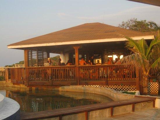 Lands End - Ocean Front Lodge: Bar/Breakfast Area