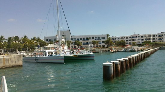Fury Water Adventures Key West : Fury leaving the marina