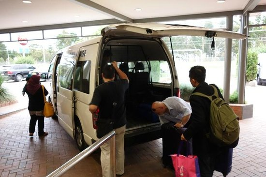 Ciloms Airport Lodge: Free Shuttle Service