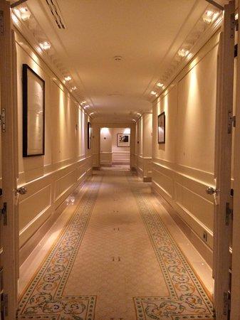 Majestic Hotel & Spa Barcelona: 6th floor hallway