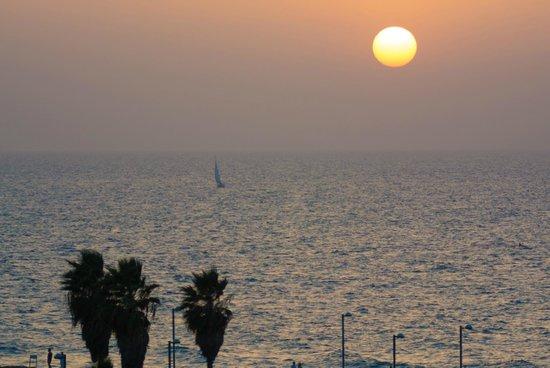 InterContinental David Tel Aviv: Sunset View From Room
