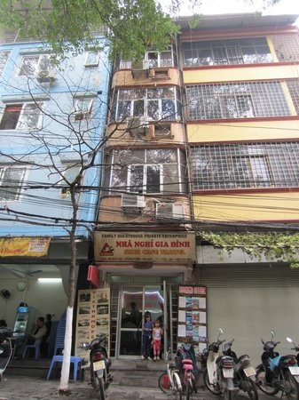 Hanoi Family Homestay: Tube house in the middle of the old quarter
