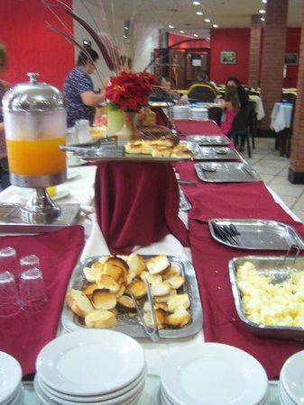 El Libertador: Desayuno Buffet